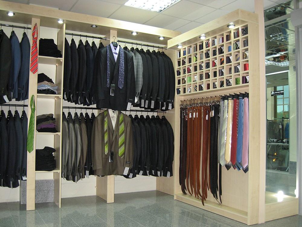Мебель для магазинов одежды