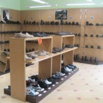 Стeллaжи для магазина обуви