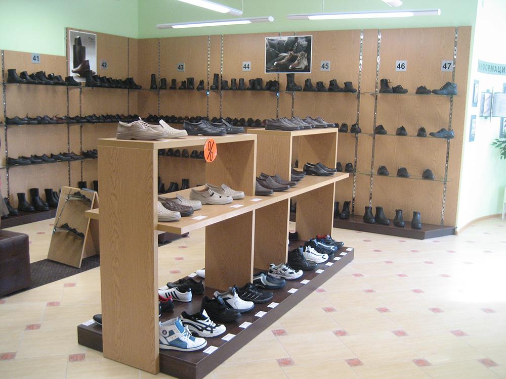 Стеллажи для магазина обуви